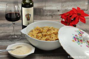 cappelletti in brodo, nonna lilly, wine princess, castello di gabiano, vino rosso, ricette di natale, rubino di cantavenna